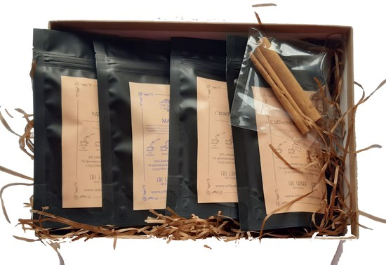 GIftbox spice tea and spices photo